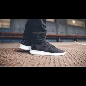 Nike Air Sockracer Flyknit Black-White men